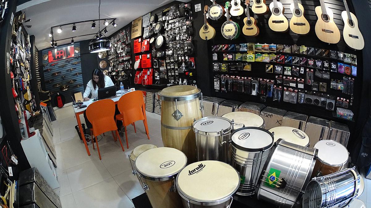 a primeira loja de instrumentos musicais na vila gruilherme blog o